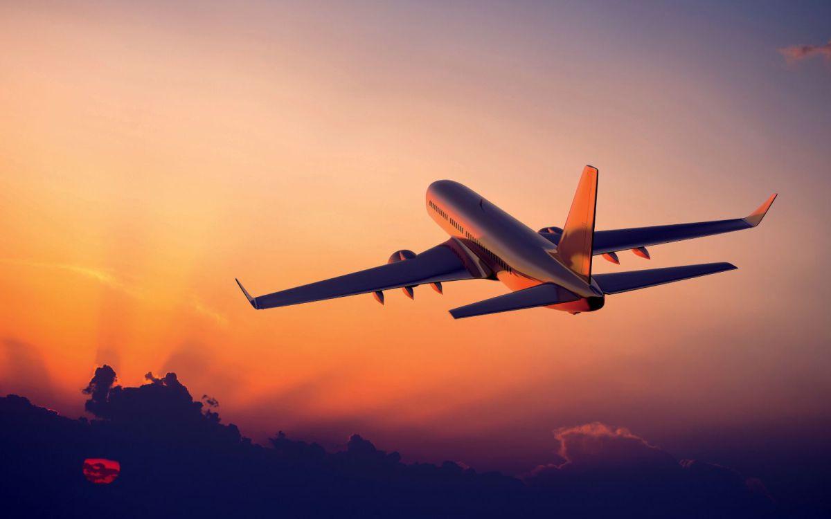 Капитан самолета внезапно исчез после возгласа «О, Боже!». После того, как он вернулся, реакция одного ирландского пассажира развеселила всех!