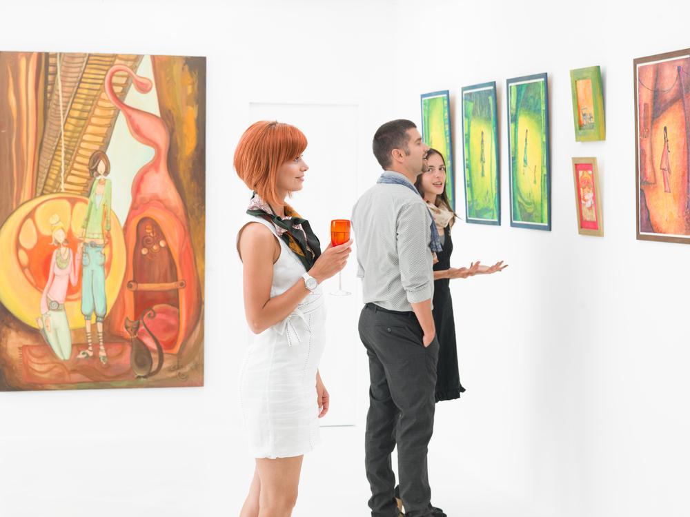 Семейная пара была в замешательстве, рассматривая эту картину в художественной галерее. Но то, что ирландец рассказал им об этой живописи – бесценно!