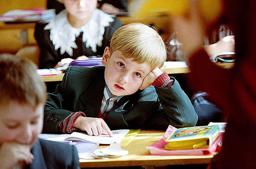 Ученик говорит, что он слишком умный для первого класса. Его дальнейший ответ – золото!