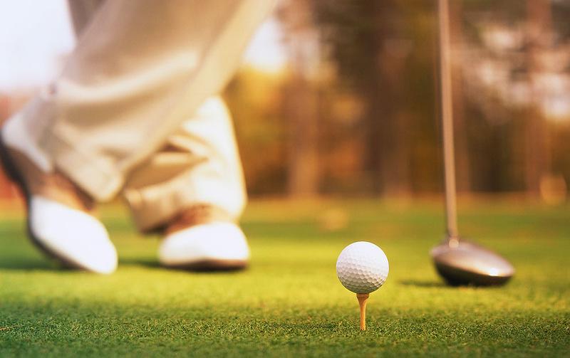 Мужчина по имени Джордж только устроился на новую работу и сразу же пошел играть в гольф с сотрудниками. Это золото!