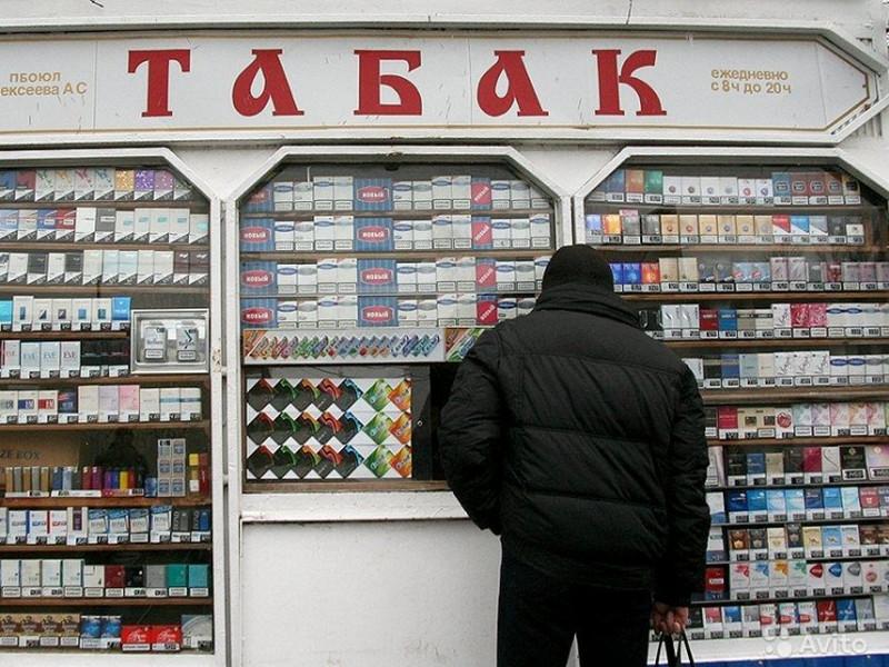 Дед пришел купить сигарет, не ожидая, что произойдёт..