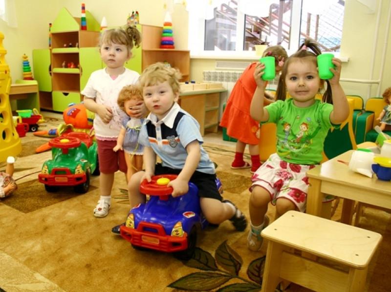 Родители отдали ребёнка в детский сад.Позже поинтересовались, не дразнят ли его..Реакция воспитателя просто бесценна!
