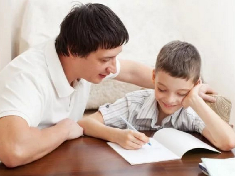 Папа решил помочь ребенку с уроками, дальше было НЕЧТО!