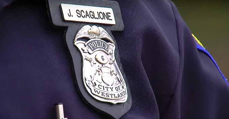Этого отца остановил сотрудник полиции. Но он не мог поверить в то, что происходит, когда офицер сделал это!
