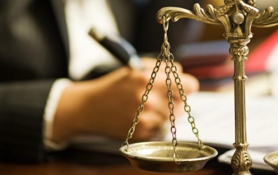 Мужчина хотел проконсультироваться с адвокатом по поводу своего соседа. Совет, который дал ему юрист – золото!