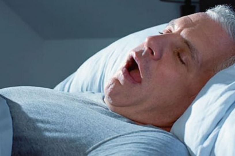 Вот смешной анекдот про военного моряка, который не мог найти место для сна. Это умора!