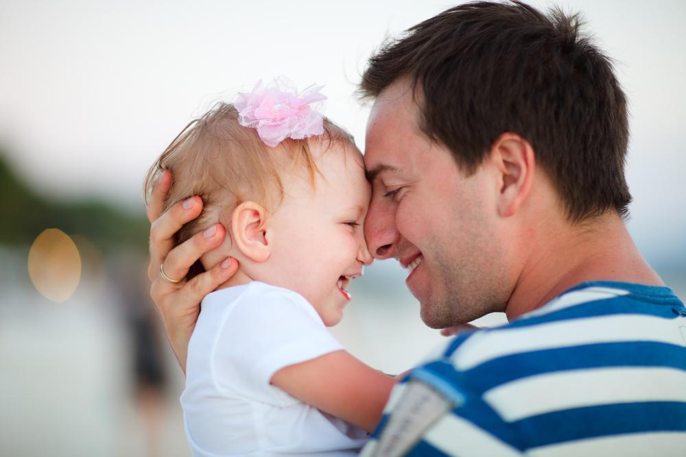 Он был отцом-одиночкой без надежды на будущее, когда умерла его жена. Но вы не поверите, как изменилась его жизнь!