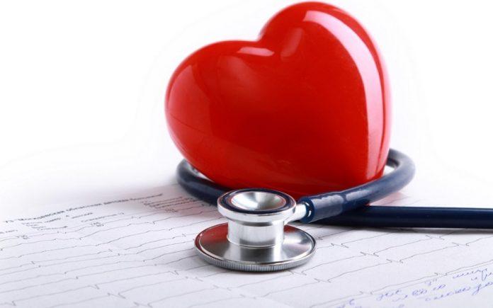 saude-cardiovascular-696x435 Механик задал кардиологу один простой вопрос. Но он не был готов услышать такой ответ!