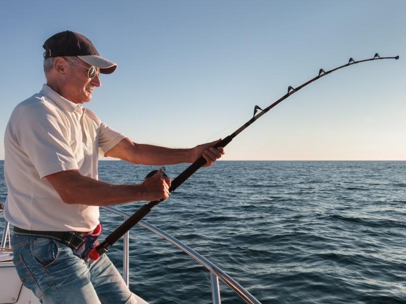 Мужик ехал на велосипеде и увидел рыбака. Диалог, который произошел далее — стоит прочитать!