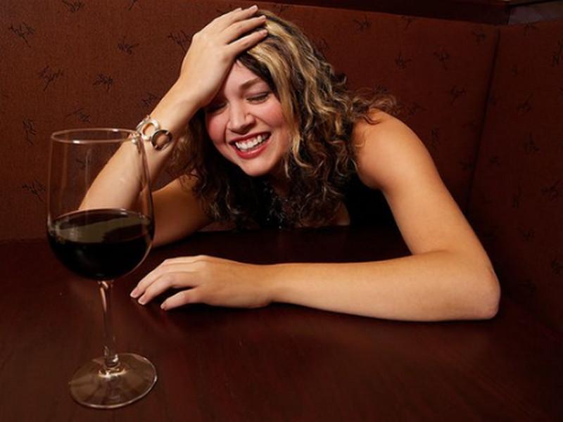 Существуют целых три стадии опьянения женщины! Особенно интересна третья!