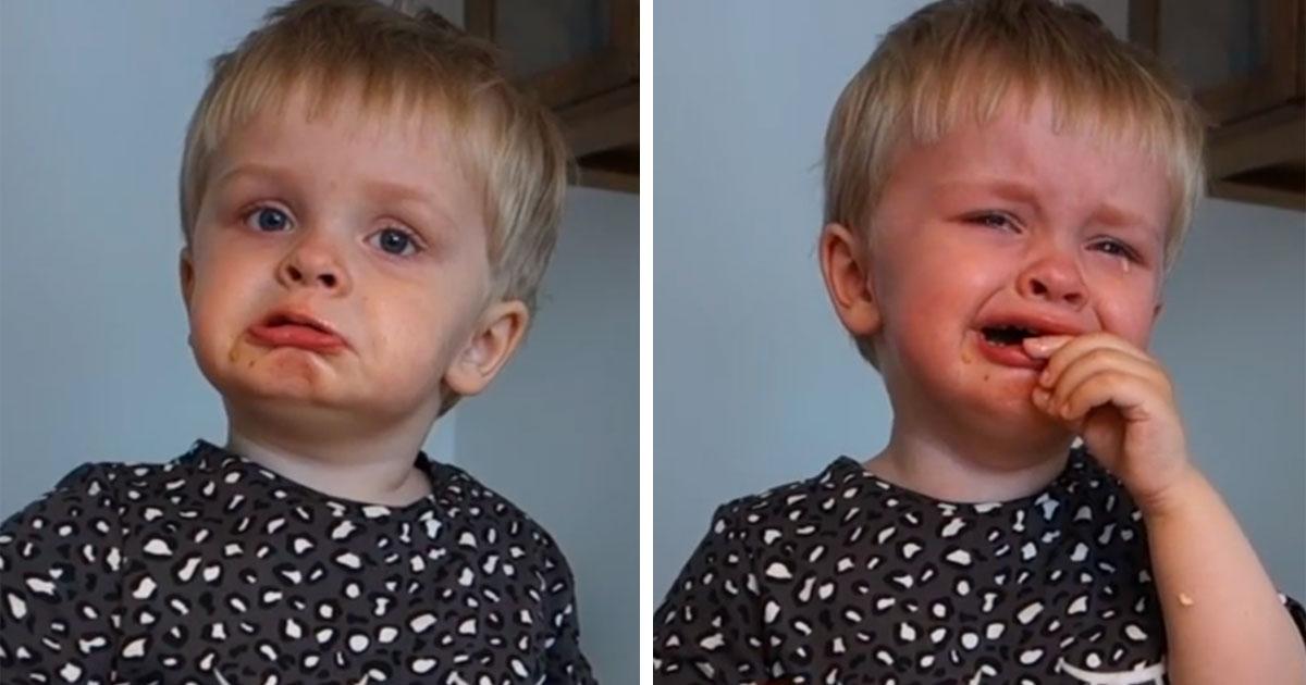 Двухлетний мальчик слушает оперу в первый раз в своей жизни. Его преодолевают эмоции и крики!
