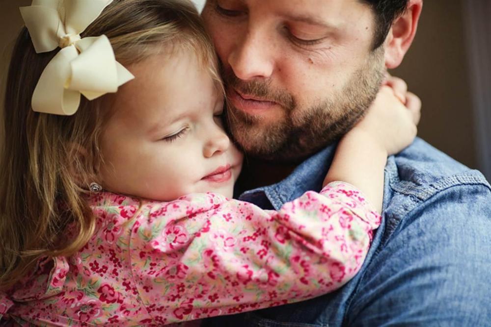 Папа попытался тайно проверить ценности своей дочери, но был потрясен ее выбором!