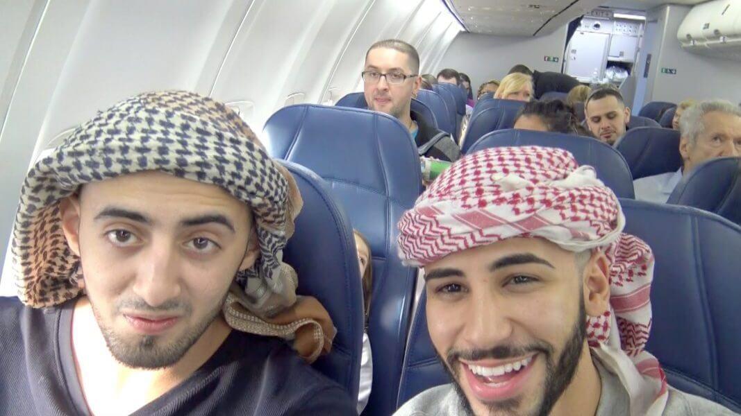 Этот морской пехотинец летел в самолете с двумя арабами. Но то, что произошло с ними во время полета – поразительно!