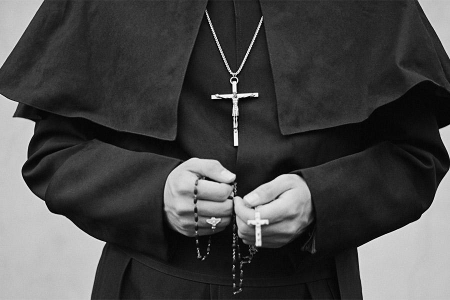 Полное ничтожество просит священника сказать речь о его брате на похоронах. То как поступает пастор – шок!