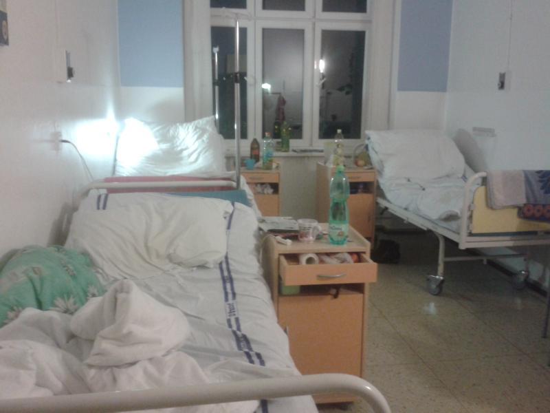 Мамина коллега, которая повёрнута на чистоте, тяжело заболела. То, что спасло её от смерти — просто невероятно!