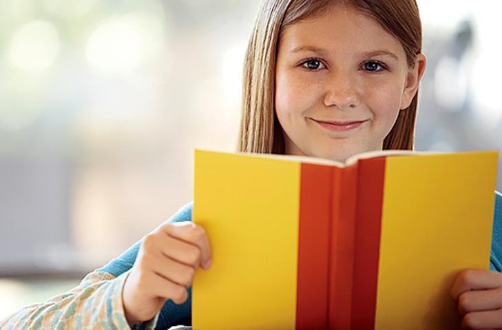 Учительница не поверила ей, когда она рассказала о том, что сделал ее отчим. Но она никогда не знала, что ее мама скажет это!