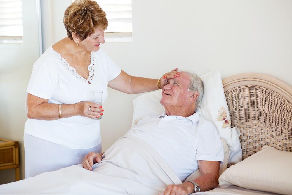 Недовольный старик жалуется на возраст своей жены. Ее ответ – закрыл ему рот навсегда!