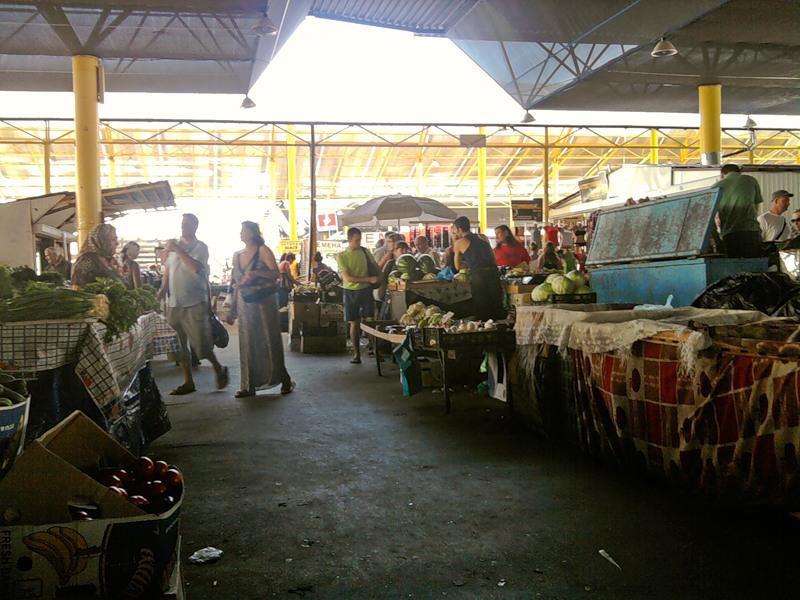 Женщина решила купить огурцы на рынке в Одессе. Но, таки там можно услышать всякое!