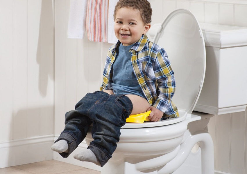Женщина 4-летнего мальчика была обеспокоена тем, что ее сын так долго сидит в туалете, но его объяснение – шок!