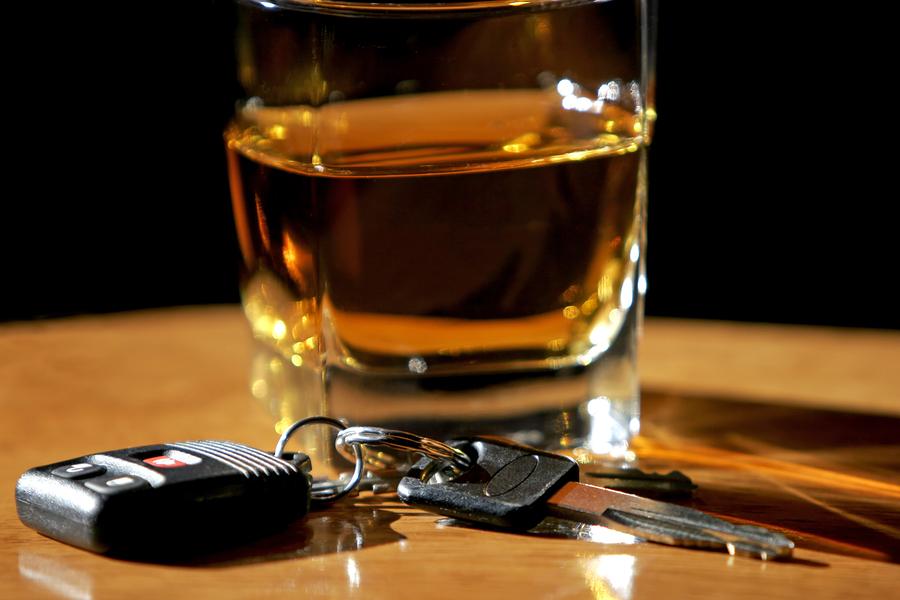 Его подруга вызвала полицию, обвинив его брата в вождении в состоянии алкогольного опьянения. Но он никогда не знал, к чему это приведет!