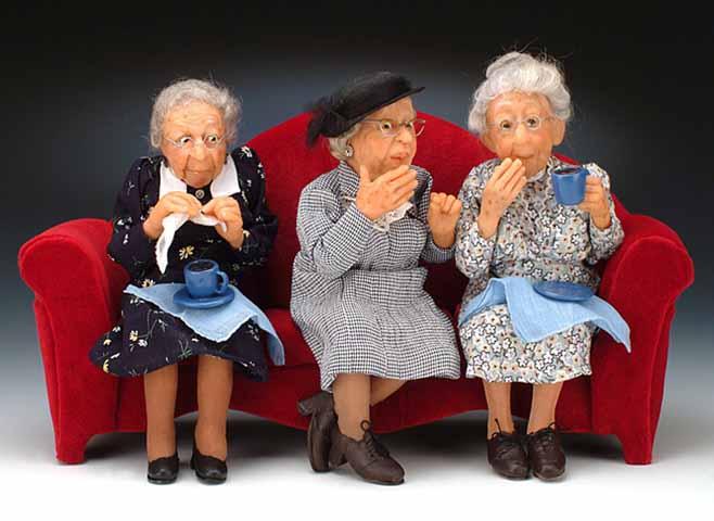 Три пожилые женщины соревновались, чей возраст наименее удобен. Победитель довольно неожиданный!
