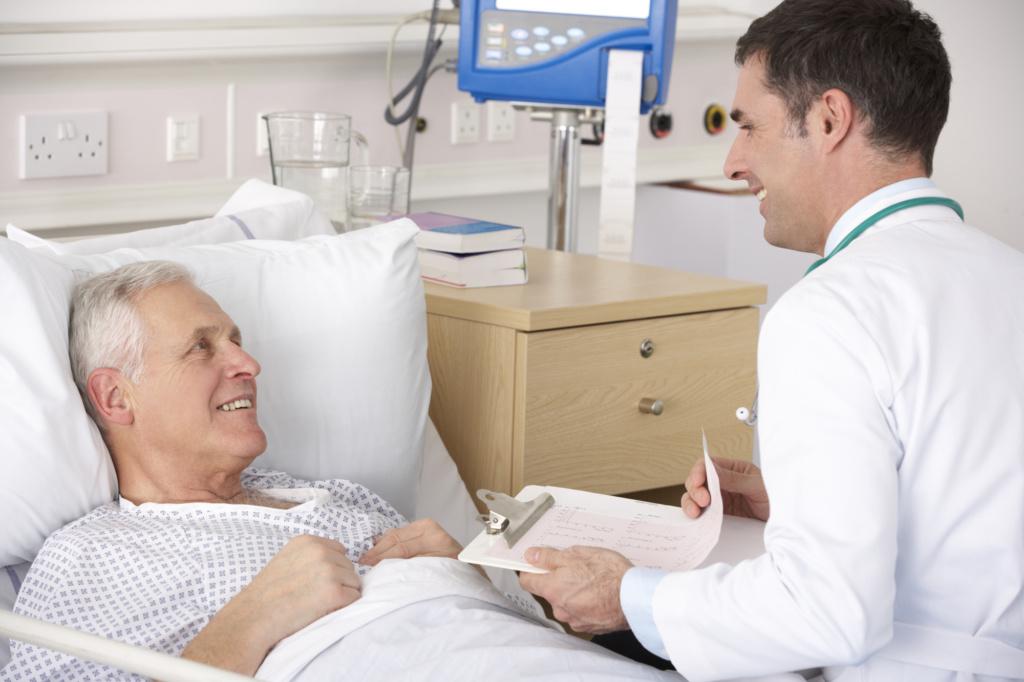 Доктор начинает рассказывать умирающему пациенту, что делать, чтобы жить дольше, но концовка – шок!