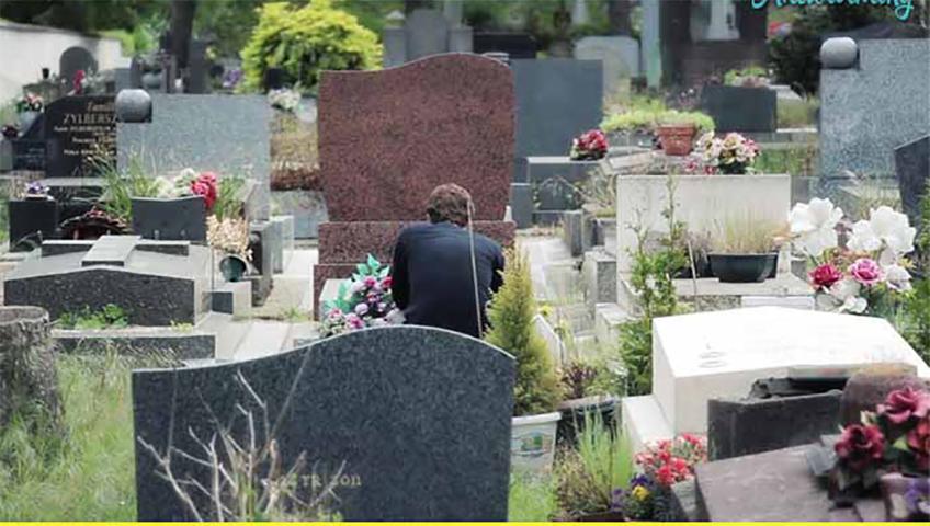 Этот человек шел на кладбище. Она предложила ему прокатиться, и он сказал ей, самые красивые слова, которые она когда-либо слышала!