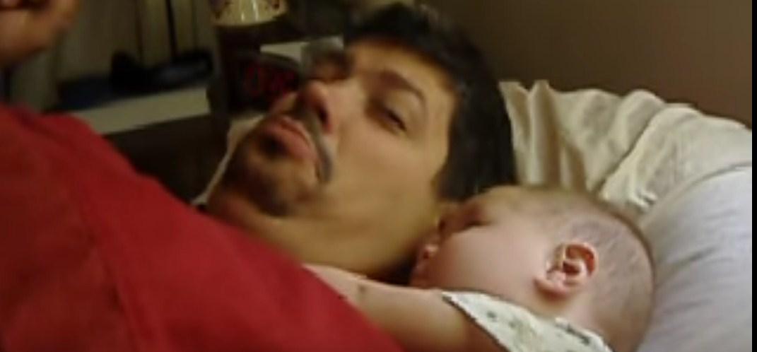 Она положила ребенка рядом с ее спящим мужем, но никогда не ожидала, что он сделает это!