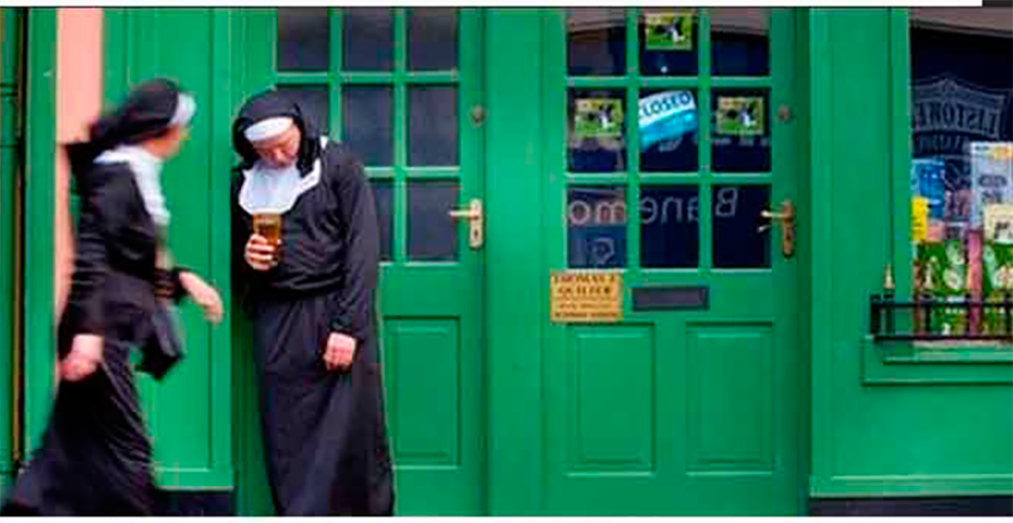 Это самый неловкий момент для монахини. Это бесценно!