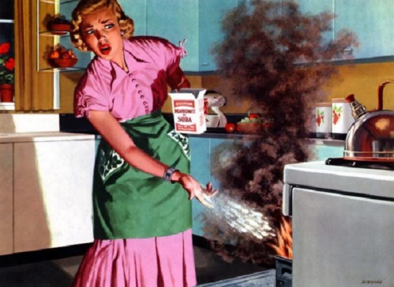 Мужчина шокирует свою жену, когда кричит на нее на кухне. Тогда он говорит это!