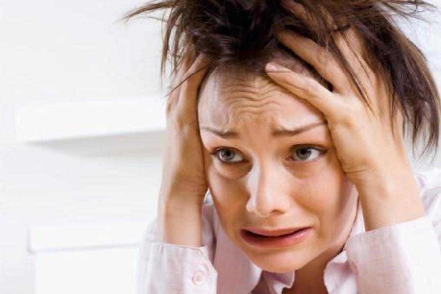 23-летняя невеста выглядит замученной за завтраком — ее грязные объяснения шокируют официантку!