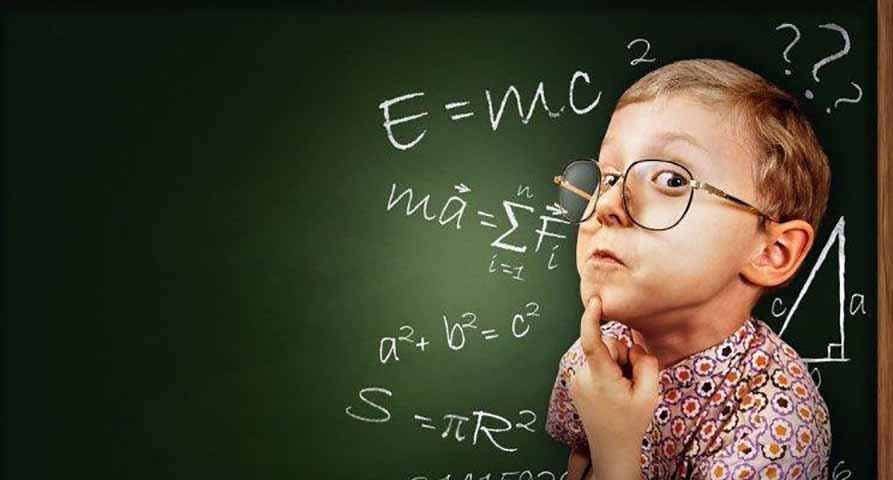 Учительница знает, что ее ученик обманул ее при тестировании, но как она доказывает это – забавно!