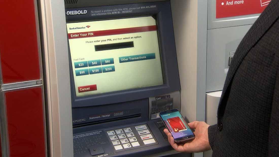 Он нашел наличные деньги в банкомате, но никогда не ожидал, что банк сделает это для владельца. Вау!