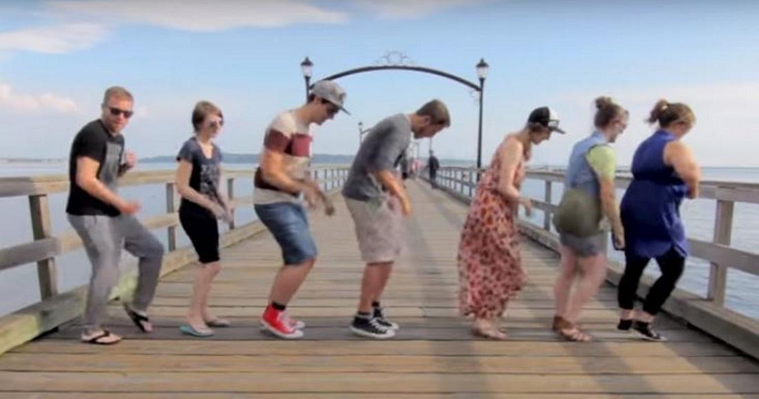 Парень путешествует по миру, чтобы показать незнакомцам 1 танец. Все вместе они делают впечатляющее видео!