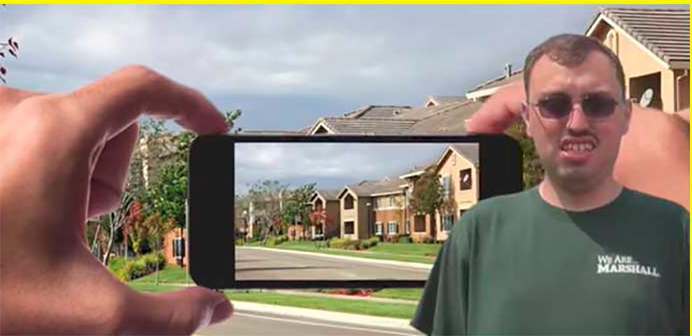 Он отправил фотографию соседского дома в полицию, когда услышал, как там кто-то плачет и кричит. Тогда произошло это!