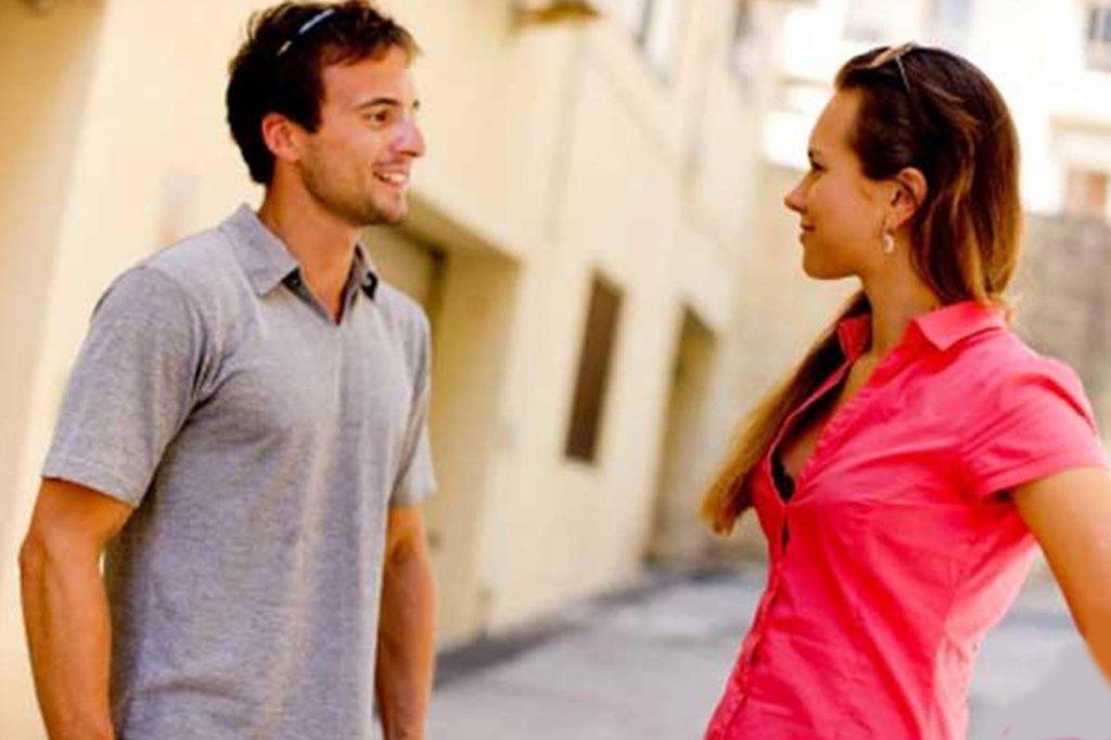 Она мгновенно полюбила симпатичного парня, который вошел в ее магазин. Но была ошеломлена, когда произошло это!