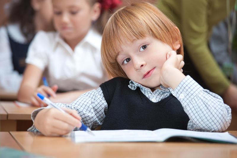 Учительница говорит ученикам использовать слова «взрослых людей». Но она была шокирована, когда мальчик сказал это!