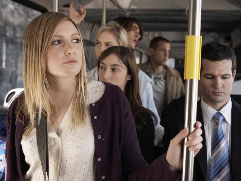 Преподаватель с женой сели в автобус. То, что сказала его студентка, когда узнала, стоит прочесть!
