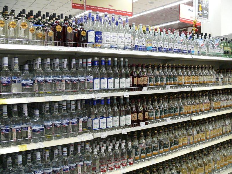 После принятия закона запрещающего продажу алкоголя вечером и ночью, вот как решили поступить в этом городе!