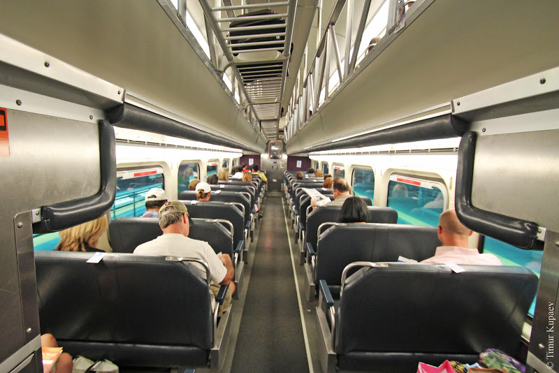Мужчина в поезде не прекращал болтать по телефону, поэтому женщине пришлось принять меры!
