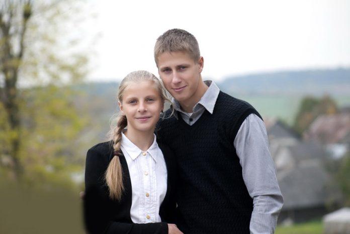 Брат сестра и её подруга