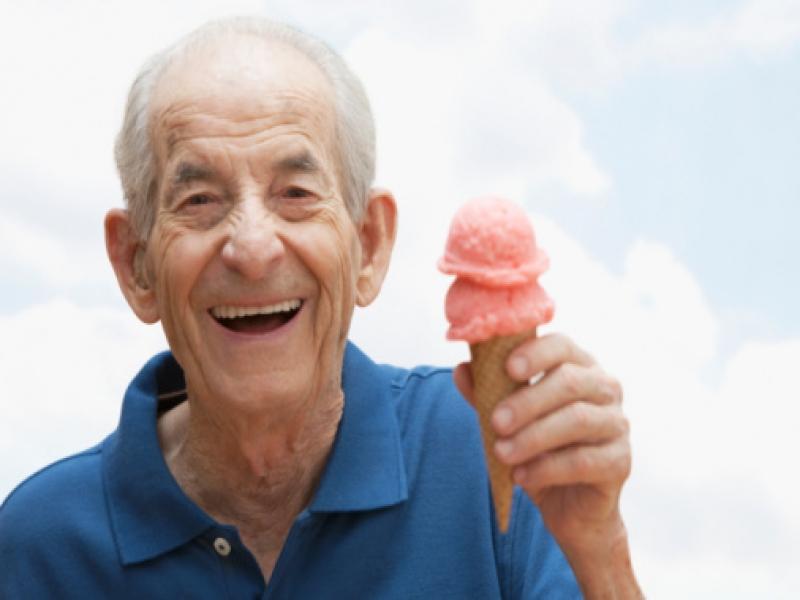 У пожилой пары возникли проблемы с памятью. То, что они решили сделать —  слишком смешно!