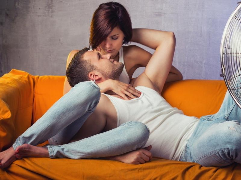 Парень с девушкой решили выяснить, в чем состоит мужская логика…