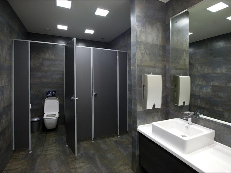 В туалете офиса страховой компании произошла эта забавная ситуация! Прочти и улыбнись!