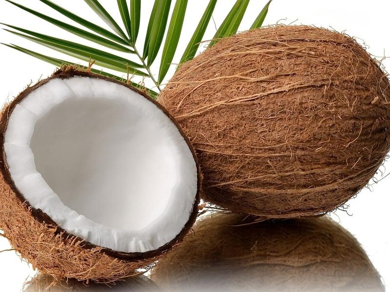 Подруге захотелось кокос, но она не могла его разбить. Идея, которая пришла ей в голову — это НЕЧТО!