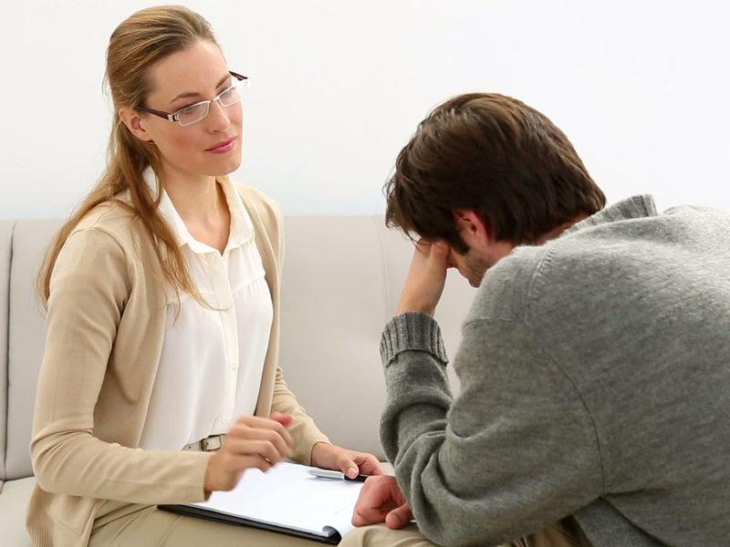 Пациент пришел к психотерапевту с проблемой. Ее решение было гениальным!