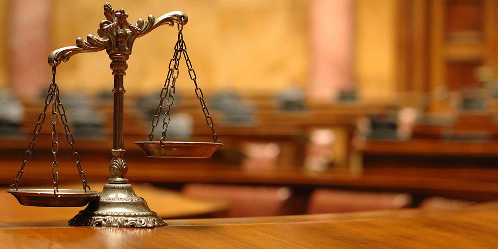 Адвокат подал иск на страховую компанию и выиграл дело. Но он был шокирован, когда они сделали это в ответ!