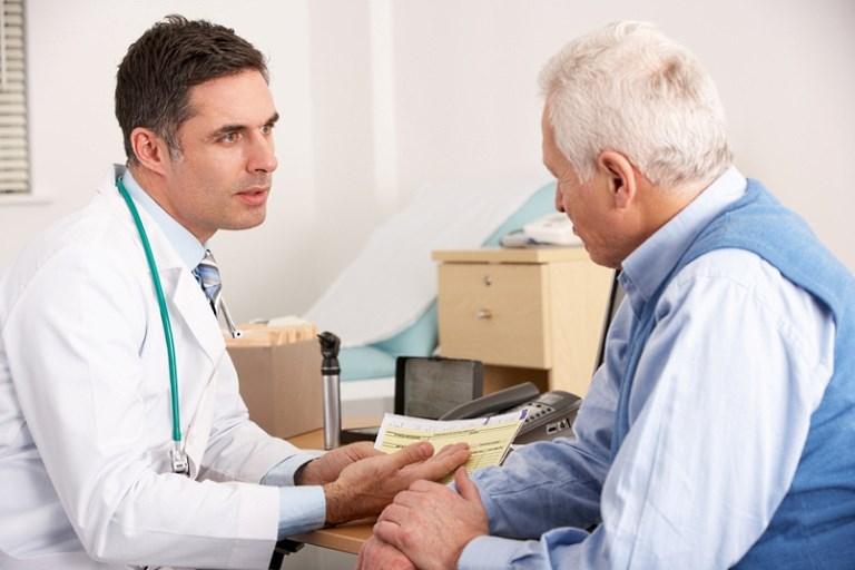 Доктор начинает рассказывать умирающему пациенту, что делать, чтобы жить дольше, но финал – шок!