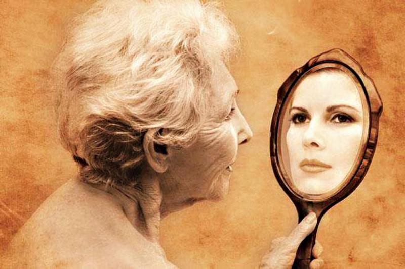 Медсестра спрашивает пожилого пациента, почему он так торопится. Приготовьтесь прослезиться от его ответа!