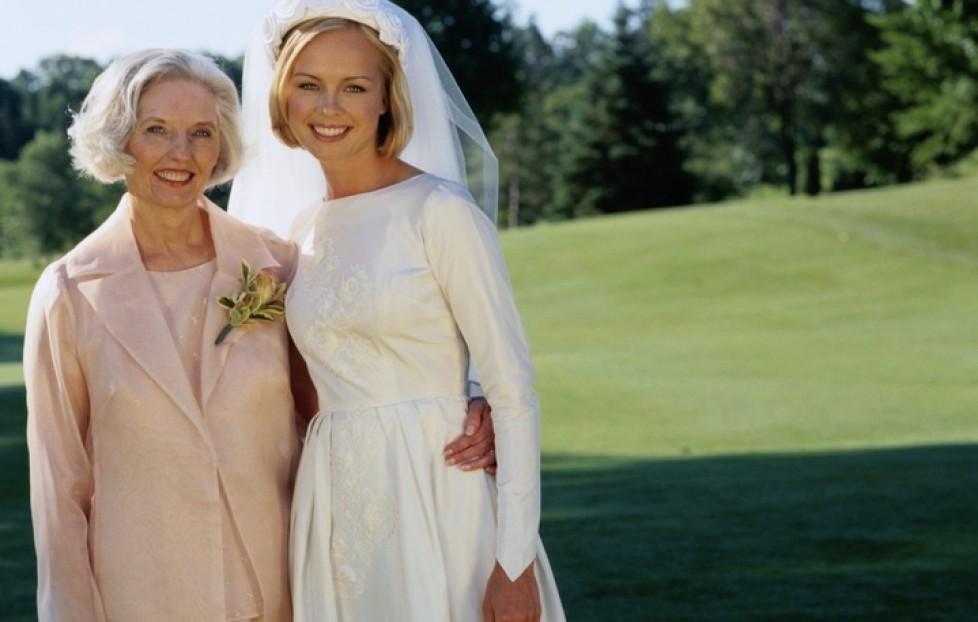 Новая жена папы пытается разрушить ее день свадьбы, но потом ее настоящая мать делает это!